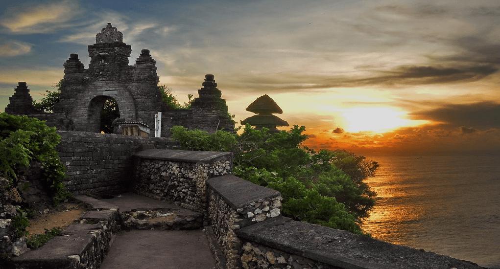 Tramonto visto dal Tempio Luhur Uluwatu, Bali