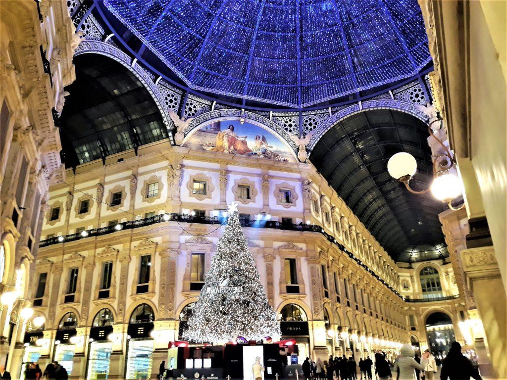 The sparkle of lights in Galleria Vittorio Emanuele