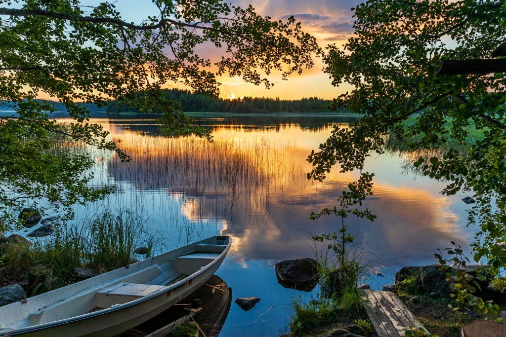 Tramonto estivo nella Regione dei Laghi, Finlandia