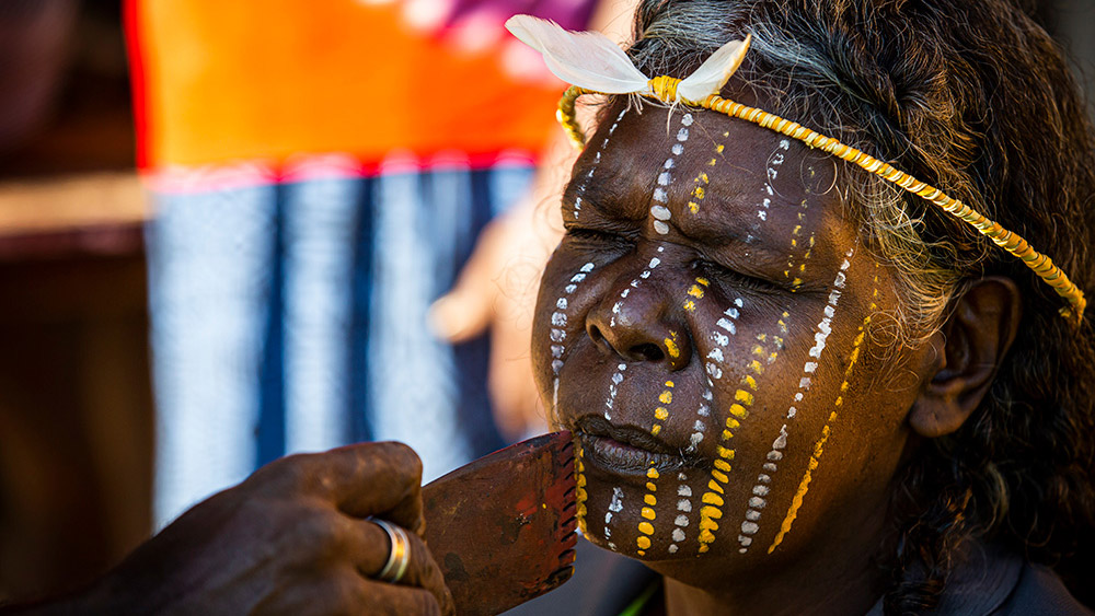 La popolazione aborigena australiana vanta una cultura tra le più antiche al mondo